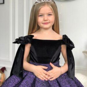 девочка в бальном платье